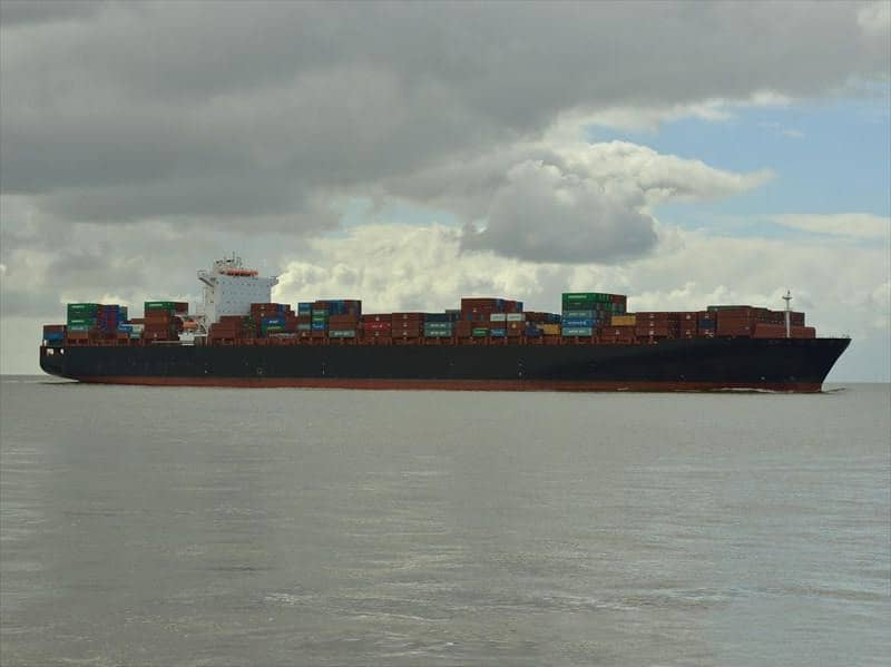 Container ship 2010 dwt 116440